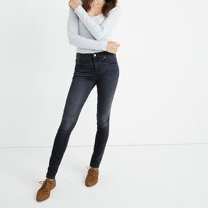 Madewell Mid-Rise Skinny Jeans in Clarksville Wash
